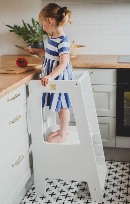 Vit kökspall för barn